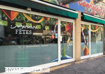 12-vitrine-peinte-noel-legume-houx-fruit-artisant